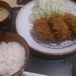 とんかつ伊勢 - 四元豚シルキーポーク上ひれかつ定食