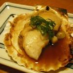 炉ばた茶屋 旅籠 - 料理写真:活ホタテのバター焼き