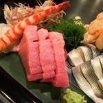 太田鮨 - 刺身てんこ盛り