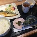 駅膳 - 朝食のさば定食 500円。朝食は鯖・鮭・目玉焼きの3種から選ぶことができます。