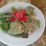 コレクトウィズカフェ - ランチのサラダ