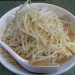ラーメン二郎 - ラーメン(小)+野菜多め+にんにく少なめ