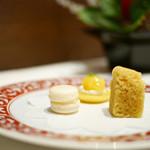 海鮮名菜 香宮 - お菓子3種