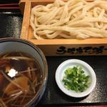 51461627 - 《肉汁うどん・普通盛り》780円                       2016/5/26