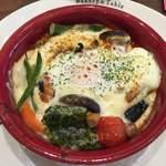 ベーカリーアンドテーブル - 旬の野菜と彩たまごの菜たまグラタン