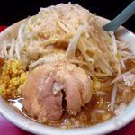 用心棒 本号 - 麺少なめ野菜チョイマシアブラショウガ
