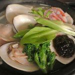 俺の割烹 - 大ハマグリと金目鯛の春鍋