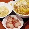中華料理 太一 - 料理写真:チャーシューワンタンメン、半チャーハンセット