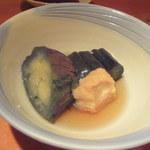 石塀小路 豆ちゃ - 茄子と生麩の揚げ浸しアップ