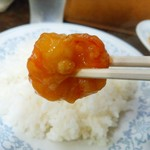 新華苑 - 料理写真:海老自体に下味がちゃんとついてて衣にタレが絡んでうまうま。