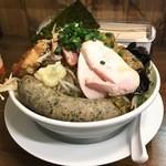 極だし拉麺 和 - 料理写真:みそ肉チョモランマ
