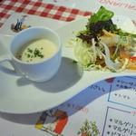 カーサ・ロマーノ  - 料理写真:ランチサラダ&スープ