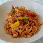サンカフェ - 料理写真:えびのトマトクリームパスタ