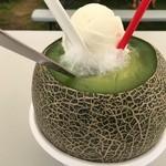 酒趣 - メロンまるごとクリームソーダ(税込900円)+金属スプーン(税込100円)