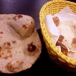 インドカレーバイキング カルカッタ - ハーフナンとチャパティ