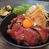 【土日祝の昼・平日夜限定】A5黒毛和牛ローストビーフ丼