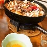 すき焼・鍋物 なべや - 牛肉鉄鍋