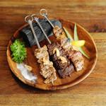AMUSER - 牛・豚・鶏 炭火焼串盛り