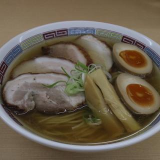 煮干鰮らーめん 圓 - 料理写真:特製塩ラーメン
