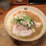 麺や拓 - 豚×魚ラーメン