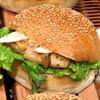 ハート ブレッド アンティーク - 料理写真:グリルチキンと焼きねぎサンド