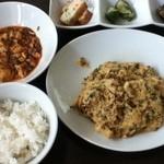 51725702 - 挽肉入りニラ玉炒め(1000円)