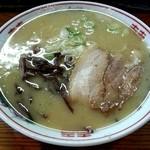 ぎょらん亭 - 豚骨二八ラーメン580円