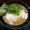 与七 - 料理写真:とんこつラーメン 750円