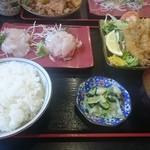 鈴女 - 平目刺身とアジフライ定食
