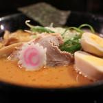 ラーメン 餃子 響 - うま辛みそにんにく[中太麺]☆