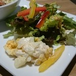 猿Cafe - サラダの脇のサラダ