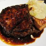 俺のフレンチ Table Taku - 牛フィレ肉とフォアグラのロッシーニ~トリュフソース~ 2138円