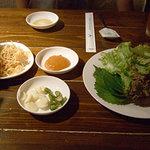 豚JYU - サムギョプサルセットの薬味