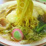 恵庭 おとん食堂 - 小鳩ラーメンの麺