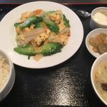 龍泉飯店 - 日替り(ゴーヤと玉子炒め) ¥750