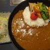 厩 - 料理写真:彩り野菜カレー