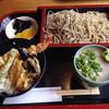 福杜 - 料理写真:ミニ天丼、もりそばのセット950円