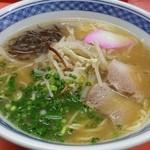 上海軒 - 料理写真:醤油ラーメン¥500