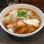 麺や金時 - 醤油ワンタン麺