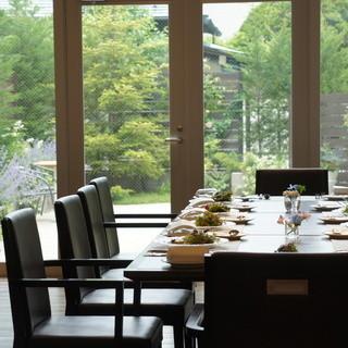家族会、職場、ご友人とお食事会のご予約をお待ちしております