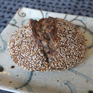 パーラー江古田 - 料理写真:ごまパン