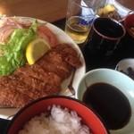 味どころ 喜多呂 - トンカツ定食950円也