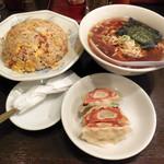 帯広亭 - ...「チャーハン+半ラーメン餃子セット(910円)」、三品とも量が少ない。。