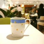 幸せのパンケーキ - コーヒー  (HOT)  セットにて350円