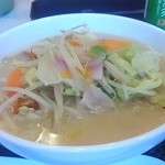 リンガーハット - 野菜たっぷり食べるスープ 640円