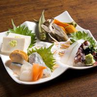 昆布〆あらかると(刺身、野菜、とうふ)