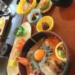 サンライズ食堂 - 淡路島生しらす海鮮丼定食