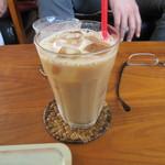 ブリーザ・ド - 私は寂しく一人でカフェオレで乾杯です。