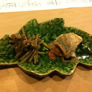 旬味 泰平 - 料理写真:お通し。山蕗佃煮と南蛮漬け。