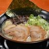 Menyaruutsu - 料理写真:塩豚骨ラーメン  700円